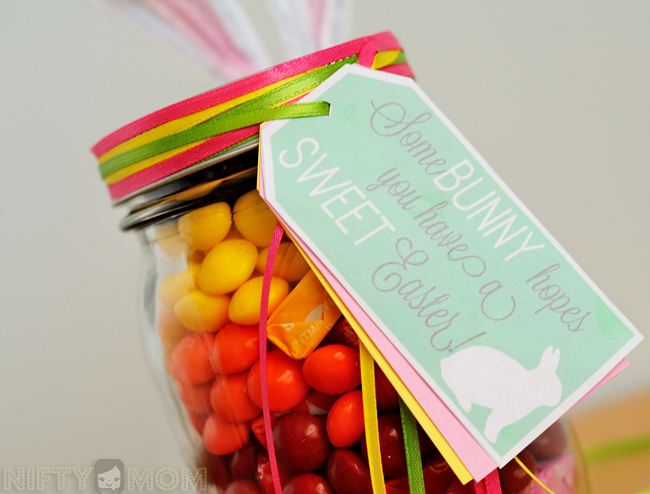 Printable Mason Jar Easter Label: 'Some BUNNY hopes you have a SWEET Easter' #VIPFruitFlavors #shop