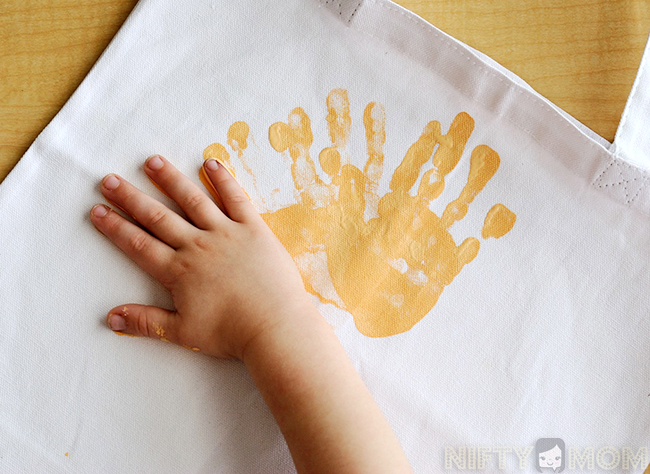 Handprint Sun - Gift Idea from Kids