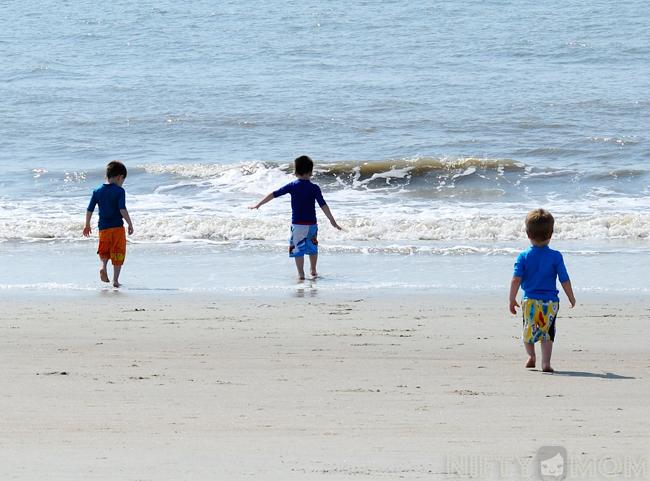 Boys Running to the Ocean #CapriSunMomFactor
