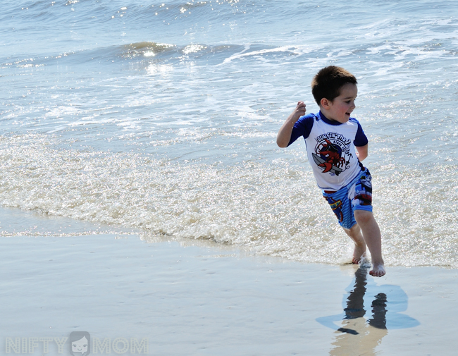 Kids Running in the Ocean #CapriSunMomFactor