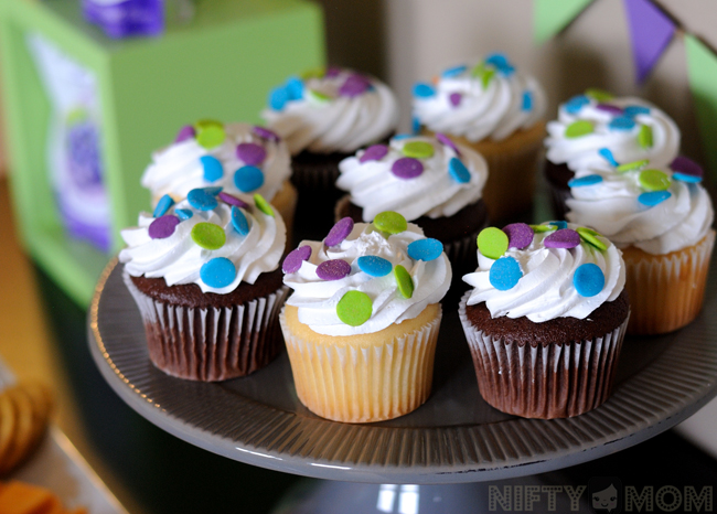 Pull-Ups Potty Training Party Cupcakes