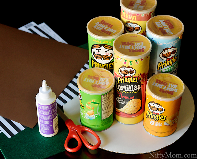 diy-pringles-can-snack-center