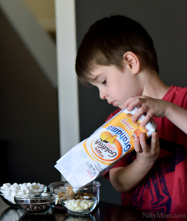 Kid Friendly S'mores Snack Mix #GoldfishTales