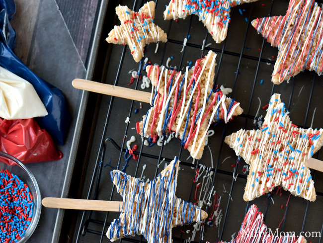 Patriotic Treats on a Stick #HelloSummerFun