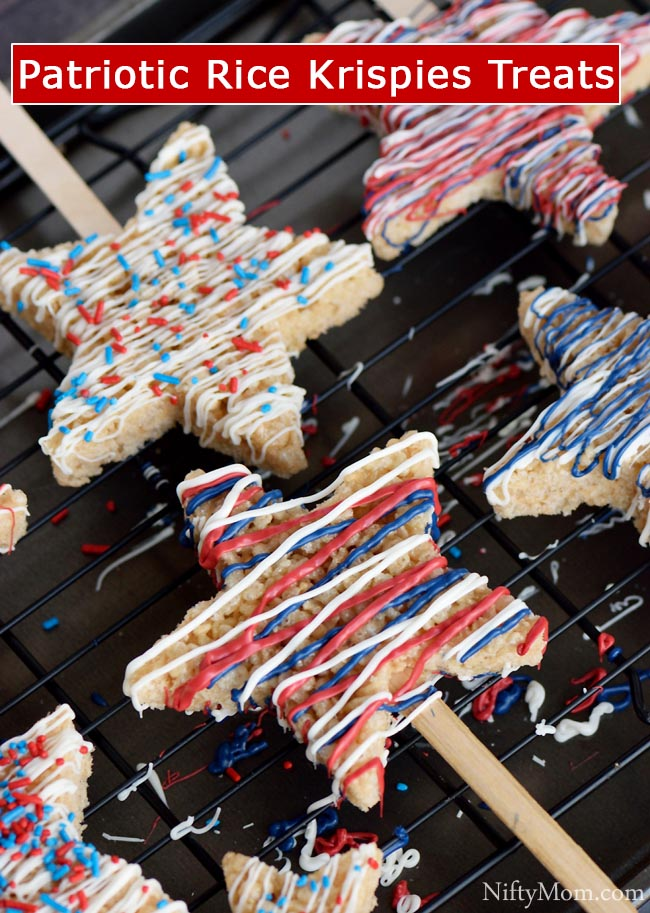 Patriotic Rice Krispies Treats. An easy recipe dessert for kids to make! Great for 4th of July or Memorial Day!