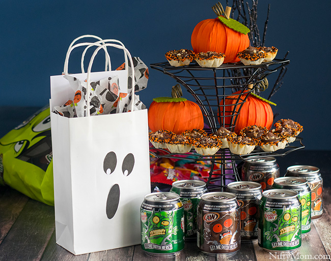 Halloween BOO Kit Ideas #BooItForward
