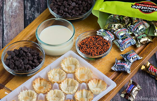 Ingredients for a No-Bake Halloween Dessert #BOOItForward