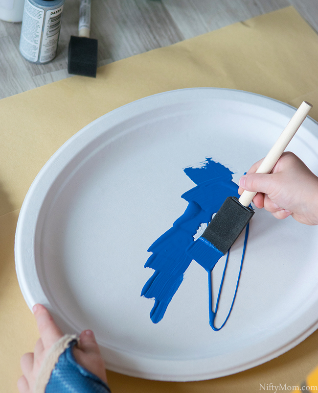 How to Make a 3D Ocean Scene with Paper Plates