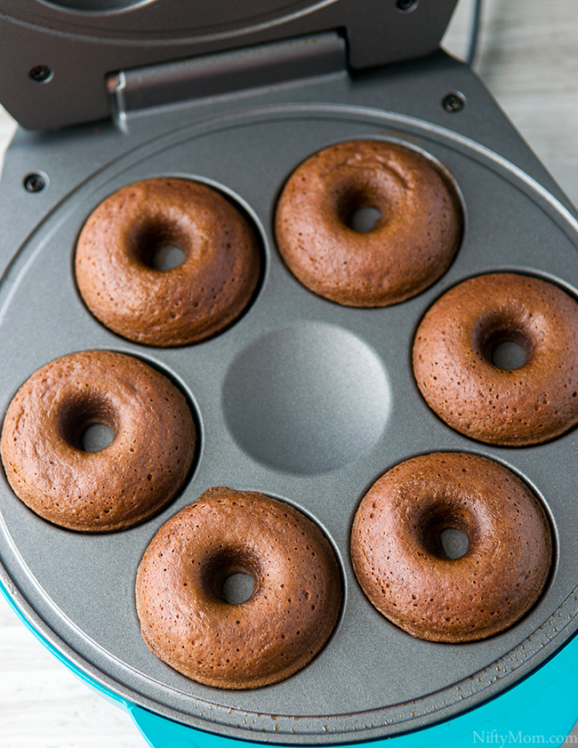 How to Make Mini Caramel Macchiato & Mocha Cake Donuts