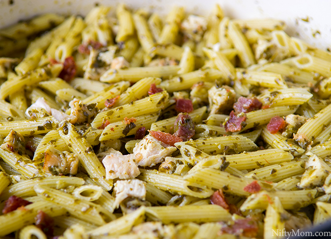 One-Pan Chicken & Bacon Pesto Pasta