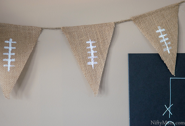diy-burlap-football-banner