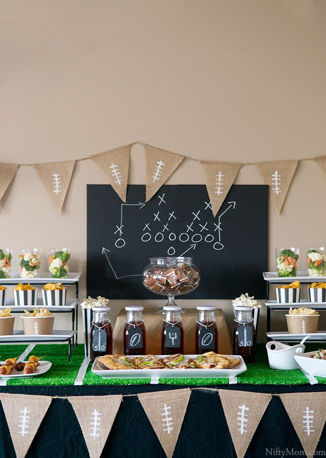 football-tablescape