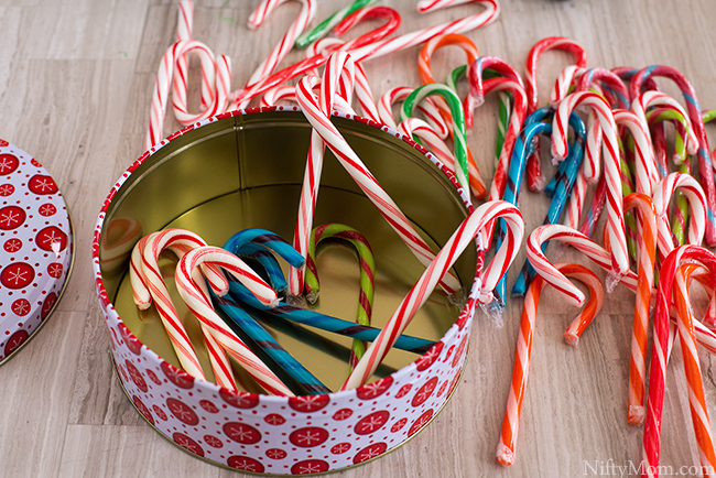 Simple Holiday Kids Games - Candy Cane Activity Ideas