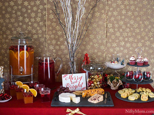 red-gold-holiday-table
