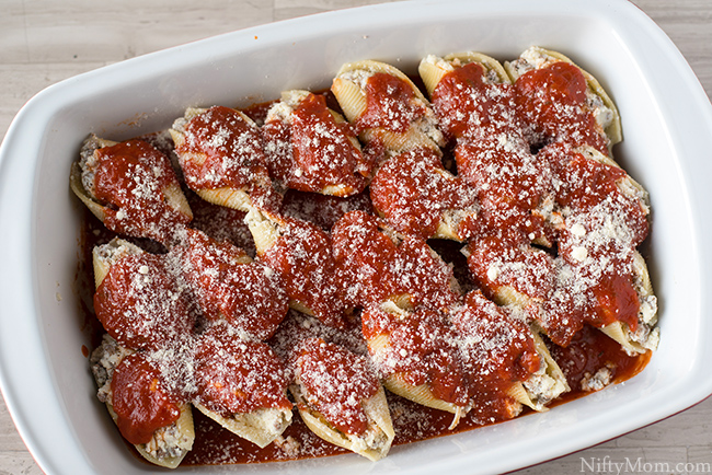 Stuffed shells with ground beef cheese easy baked stuffed shells recipe with ground beef and cheese forumfinder