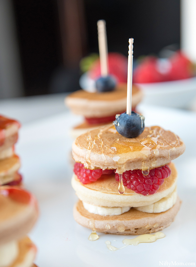 berries-bananas-mini-pancakes-recipe