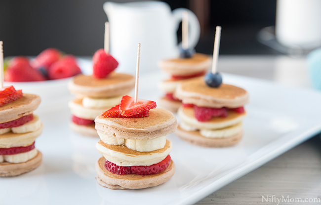 mini-pancake-stacks-fruity