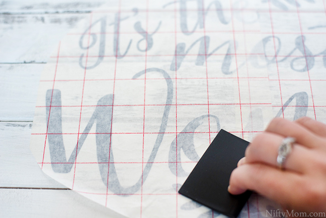 transfering-vinyl-letters