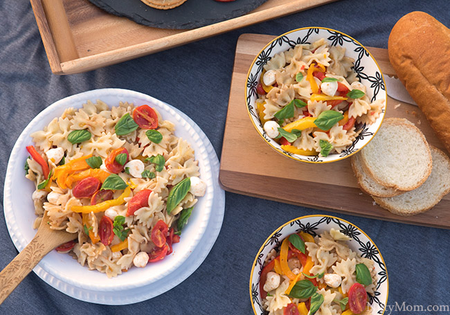 Roasted Pepper & Tomato Pasta Salad {Great for Picnics}