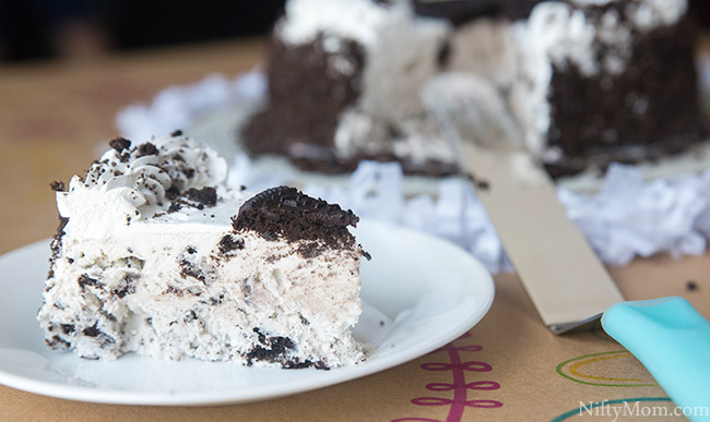 oreo-ice-cream-cake-slice