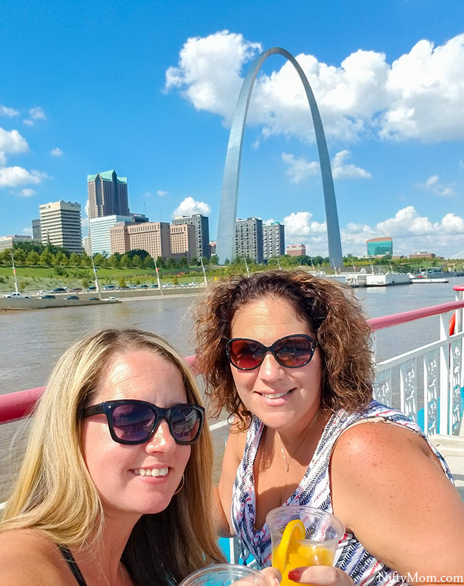 Experience St. Louis - Gateway Arch Riverboat Cruises {Sunday Brunch Cruise}