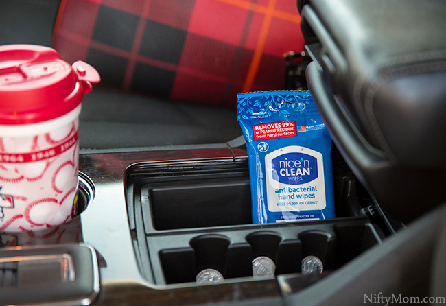 Antibacterial Hand Wipes - An Essential for Families On-the-Go