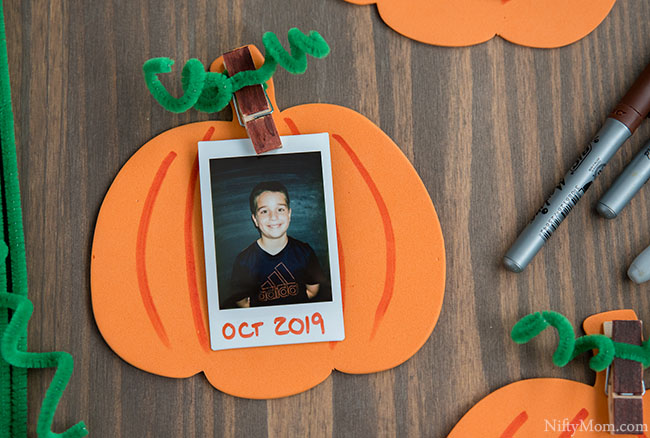 Pumpkin Frame - An Easy Fall or Halloween Kids Classroom Craft Activity