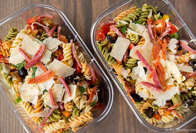 Easy Cold Pizza Pasta Salad Recipe (great for meal preps!)